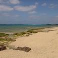 沖縄石切り場海岸から見た残波岬